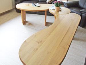 Geschwungener Tisch
