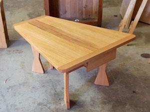 Konischer Tisch